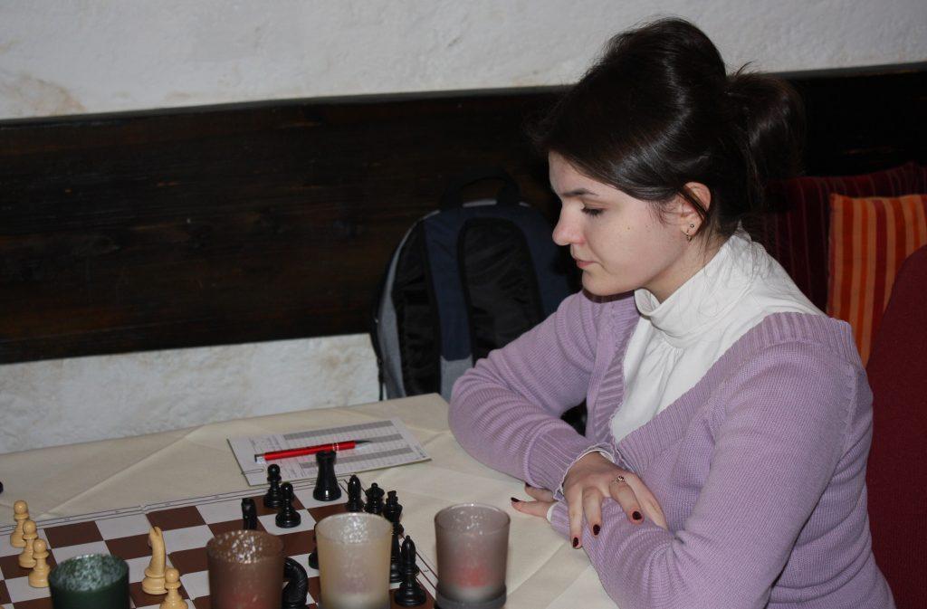 Alexandra Busuioc beim ersten Einsatz in der Industrieviertelliga